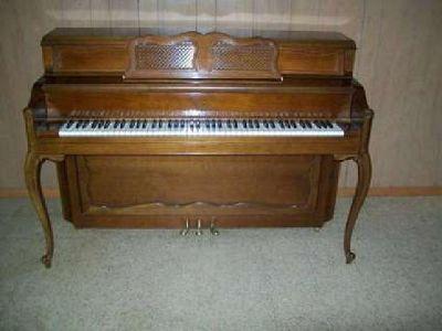 Beautiful Everett Console Piano