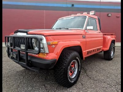 1982 Jeep J-10 Pickup Townside (ORANGE)