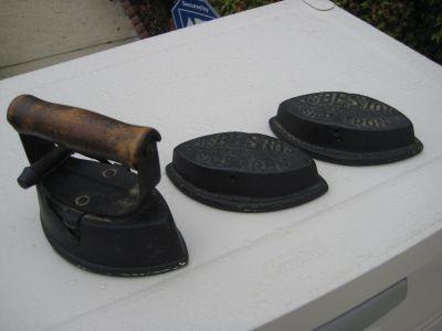 Clothes Iron Antique Collectible Asbestos 72-B Sad Irons