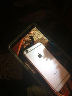 Brand new iPhone 6, barely used for a month need gone getting new phone