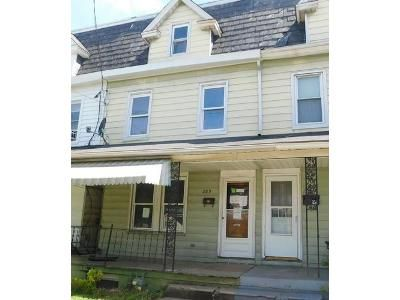 3 Bed 1.5 Bath Foreclosure Property in Phillipsburg, NJ 08865 - Lincoln St