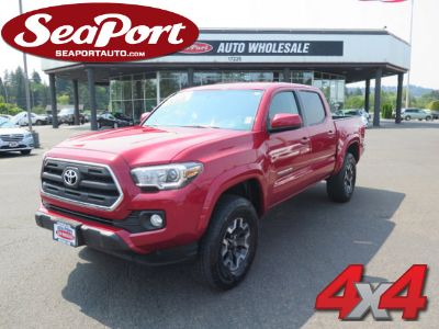 2017 Toyota Tacoma SR5 Four Door Double Cab 4X4 T (Red)