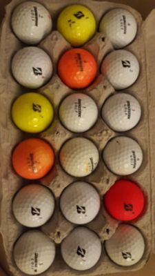 18 Golf Balls - Bridgestone