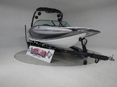 2015 supreme S226 Surf Wakeboard boat