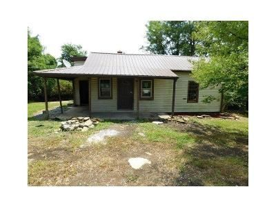 2 Bed 1 Bath Foreclosure Property in Mackville, KY 40040 - Battle Rd