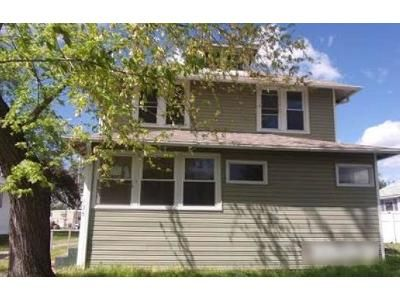 3 Bed 2 Bath Foreclosure Property in Centralia, IL 62801 - E Marvin St