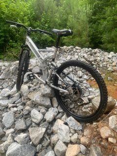Mongoose black comb mountain bike
