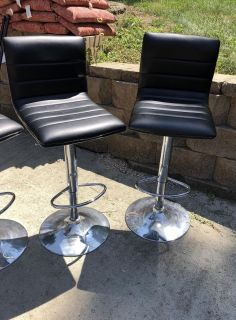 3 marching bar stools $65 for all 3