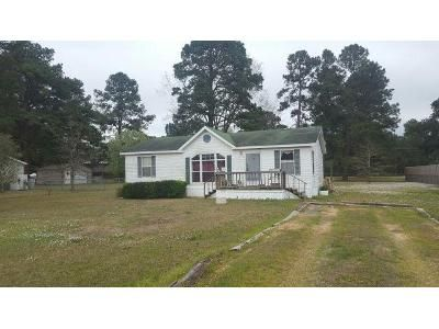 3 Bed 2 Bath Foreclosure Property in Texarkana, TX 75501 - River Bnd
