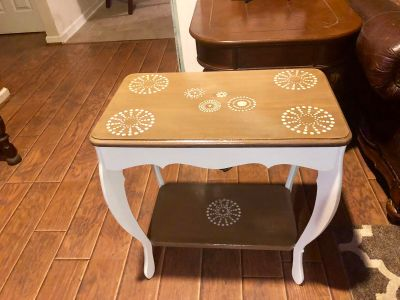 Accent/side table
