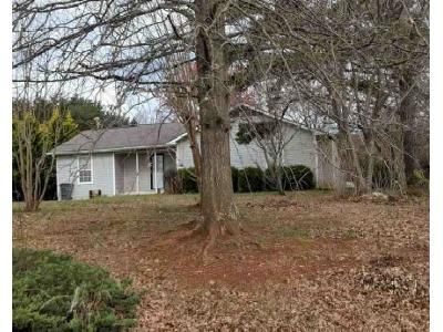 3 Bed 2 Bath Foreclosure Property in Campobello, SC 29322 - Scenic Ave