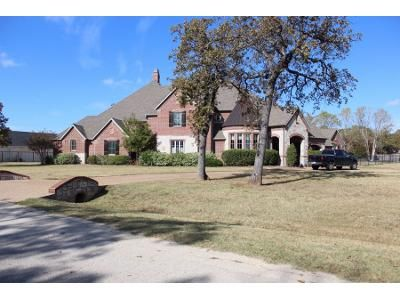 6 Bed 6 Bath Preforeclosure Property in Mansfield, TX 76063 - Lakes End Ct