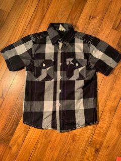 Nice looking boys buttoned up shirt size 5T