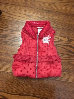 Cute, warm vest. Size 18 months. So pretty! Has polyfil. Gallatin unless going to H ville.
