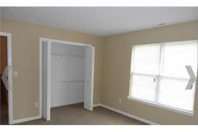 3 bedrooms Apartment - for a Showing Today Elite Realty 1- ext. 2. Pet OK!