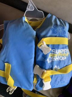 Infant life vest w head support upto 50lbs