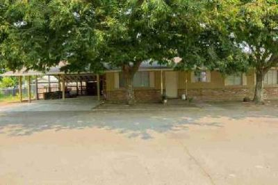 9728 Broadway Live Oak Three BR, This home can be a great family
