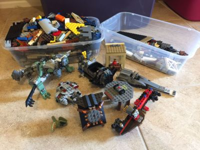 6 Pounds of Jurassic Park / Star Wars Loose Legos