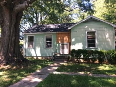2 Bed 1 Bath Foreclosure Property in Baton Rouge, LA 70805 - Chippewa St