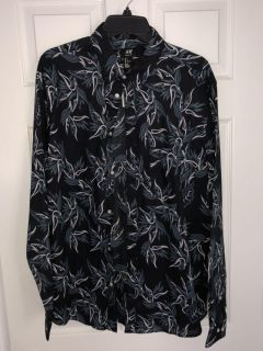 Men s H&M Button Down Large New with Tags