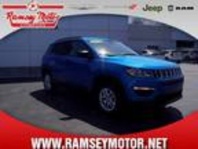 2018 Jeep Compass Blue, 17 miles