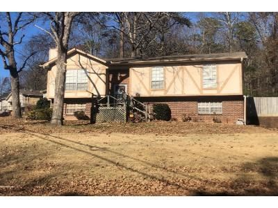 3 Bed 2 Bath Preforeclosure Property in Pinson, AL 35126 - Dewey Heights Rd