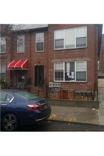 HUGE 3 bed with a shared out door space. Washer/Dryer Hookups!