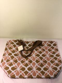 NWT Jumbo canvas totes with zipper, measures 20 x 15