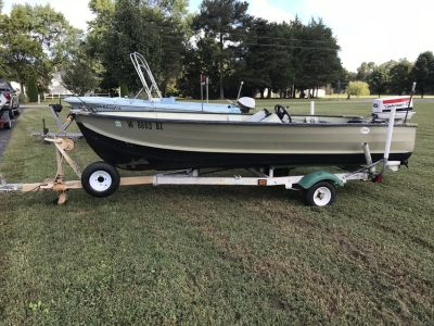 14' V bottom Aluminum Jon Boat w 35hp Johnson electric start