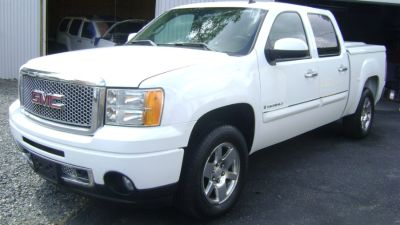 2008 GMC Sierra 1500 Denali (Summit White)