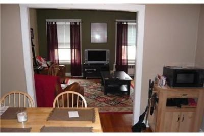 Boston - Beautiful nice sized 3 bedroom apartment right on Hanover. Pet OK!