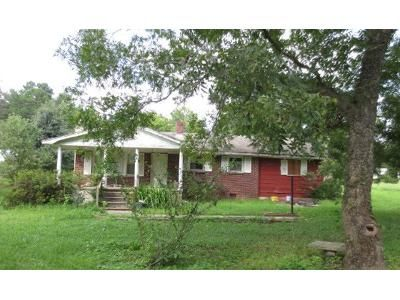 3 Bed 1 Bath Foreclosure Property in Union, SC 29379 - Peach Orchard Rd