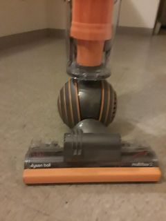 PRICE REDUCED FOR QUICK SALE DYSON BALL MULTI ROOM 2 VACUUM