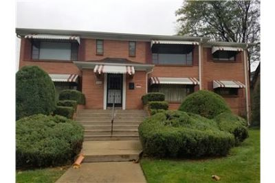 2Bed/1Bath Duplex With Washer/Dryer!Two weeks off