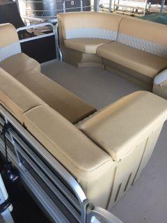 2016 22' Lexington Discovery Pontoon Boat