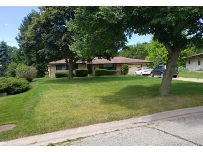 2 Bed 1 Bath Preforeclosure Property in Greendale, WI 53129 - Downing St