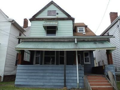 3 Bed 1 Bath Foreclosure Property in Clairton, PA 15025 - Shaw Ave