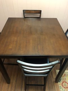 *Moving* Nice Dining Table w/ Chairs