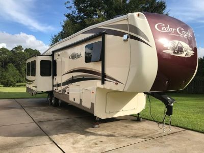 2017 Keystone Cedar Creek Silverback 36ck2