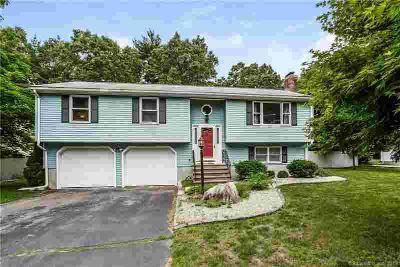 11 East Forest Drive ENFIELD, Open airy 3 BR home