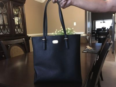 *EXCELLENT CONDITION* Michael Kors Jet Set Travel Large Leather Tote