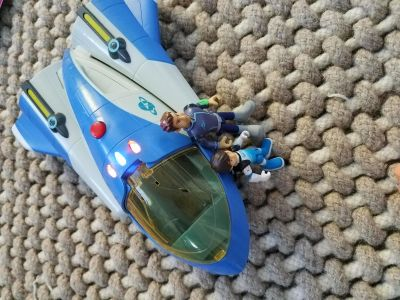 Disney Miles from Tomorrowland Space Guard Cruiser w/Figures
