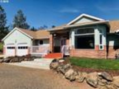 Goldendale Real Estate Home for Sale. $315,000 5bd/Three BA. - Jodi Bellamy of