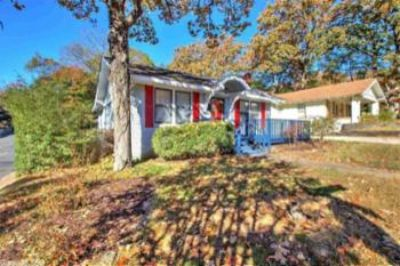 $1,195, 2br, 100 Linwood Ct., Little Rock Ar 72205 - Beautifully Updated 2br With B