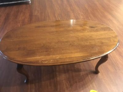 Matching set of 2 end tables and a coffee table