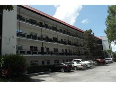 MAINTENACE FREE LIVING IN THIS SPACIOUS AND READY TO MOVE IN 3 BEDROOM 2 BATH ORCHID SPRINGS CONDO