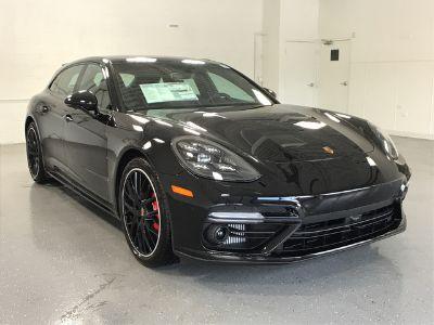 2018 Porsche Panamera Turbo Sport Turismo (Jet Black Metallic)