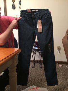 Levi s mid rise skinny jeans