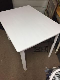 White breakfast table /small dining room table