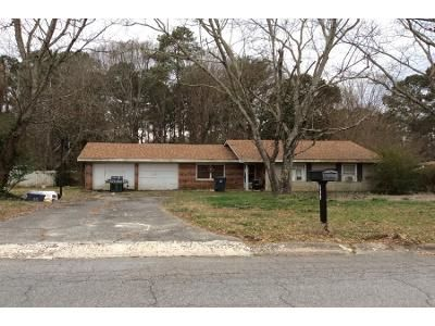 3 Bed 2 Bath Preforeclosure Property in Lawrenceville, GA 30044 - Oakland Way